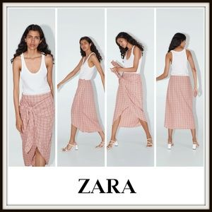 Zara Sleeveless Contrasting Knotted Dress